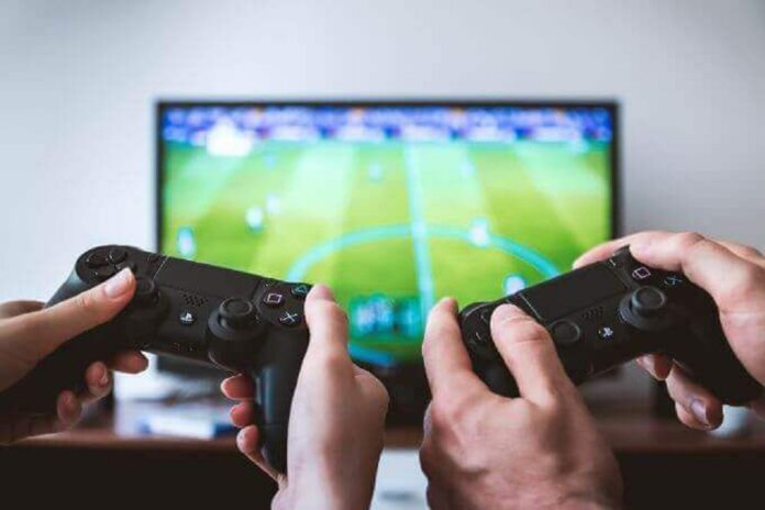 Which Is Better- Gaming with Friends vs Alone